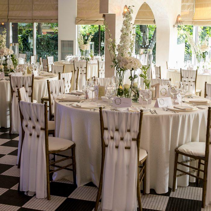 La_seratta_white_and_golden_wedding