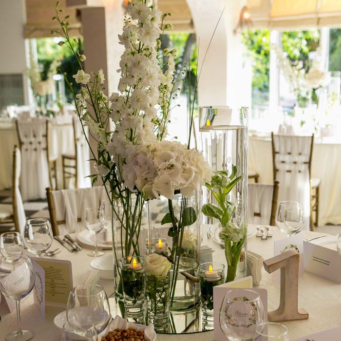 La_seratta_white_and_golden_wedding_2