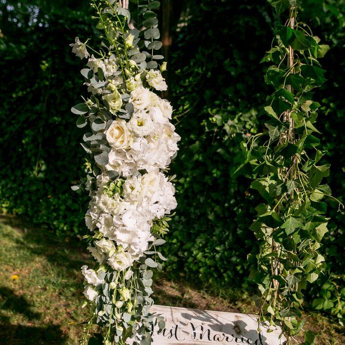 La_seratta_white_and_golden_wedding_8